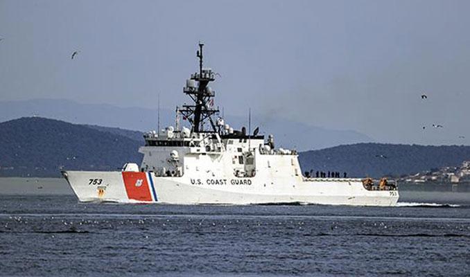 ABD donanmasına ait gemi İstanbul Boğazın'dan geçti