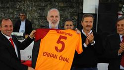 Eski futbolcu Erhan Önal hayatını kaybetti