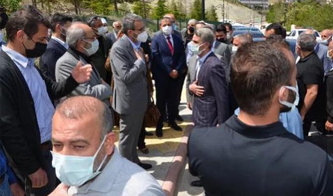 AK Parti Genel Başkan Yardımcısı Ünal, dayısının cenazesine katıldı