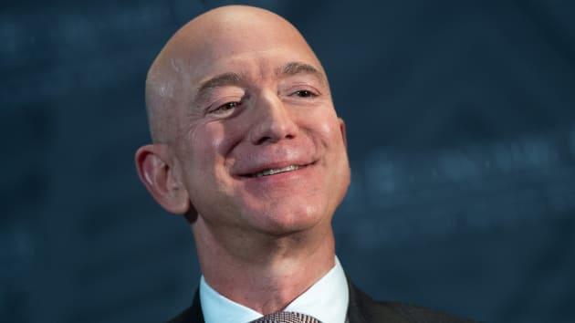 Bezos, yaklaşık 2 milyar dolar değerinde Amazon hissesi satıyor