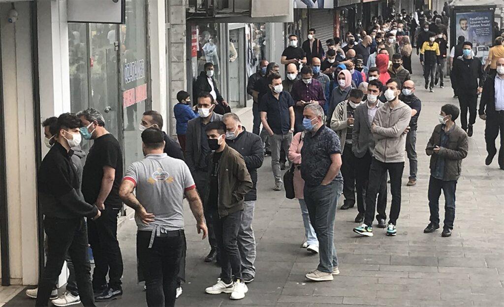 İstanbul'da tepki çeken 'tatlı' kuyruğu